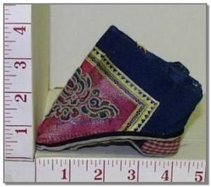 Женщины Китая и их обувь